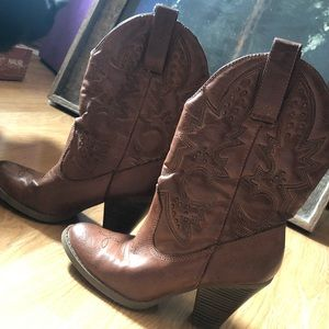 Shoes - Brown/Tan cowgirl boots w/ thread&brass detailing